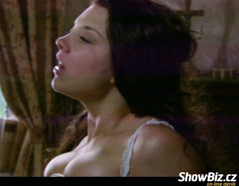Виктория корлякова порно фото