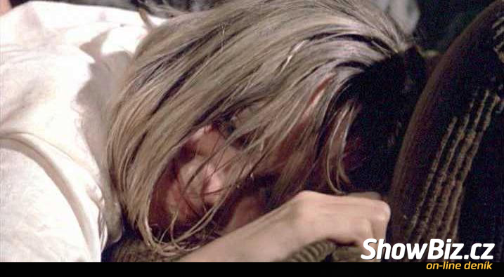 Susan George in Straw Dogs http://sceny.showbiz.cz/nahe/susan-george/832-straw-dogs/?sid=6728